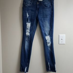 Like New Distressed Low Rise Skinny Ankle Jeans
